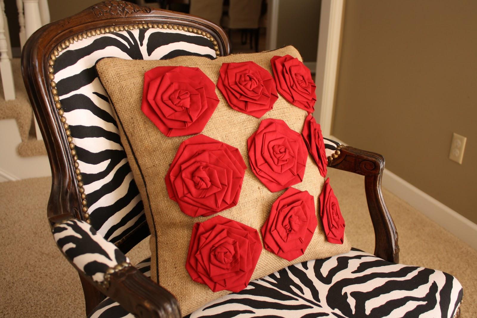 Шьем декоративную подушку своими руками