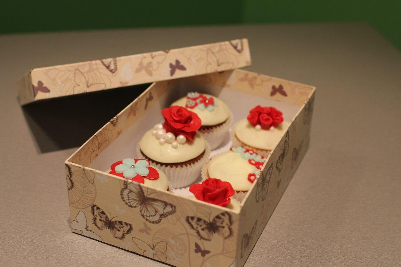 Поделка изделие свит-дизайн валентинов день моделирование конструирование креслице-шкатулка ко дню всех влюбленных  бумага гофрированная картон нитки проволока