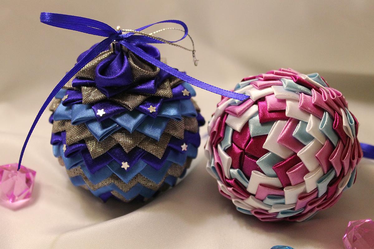Новогодние поделки из упаковочной бумаги. как упаковать новогодний подарок или новогодняя упаковка своими руками. шары из пластиковых бутылок