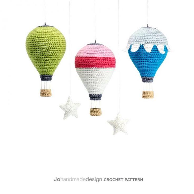 Подборка авторских схем и описаний для вязания крючком новогодних игрушек