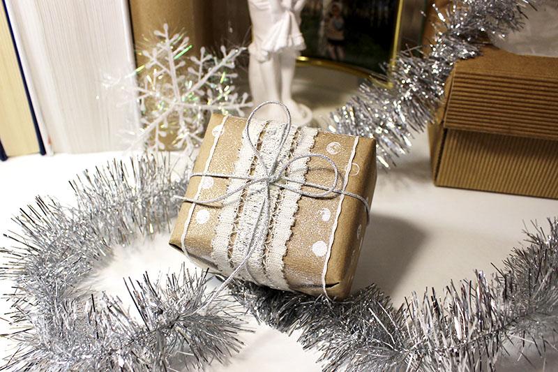 Как сделать новогоднюю коробку своими руками