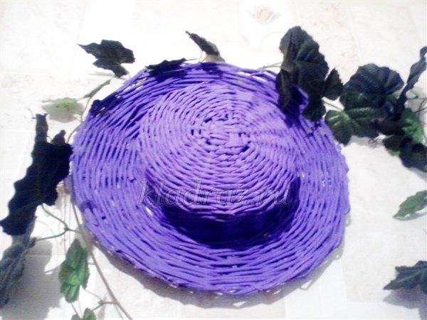 Шляпа из газетных трубочек