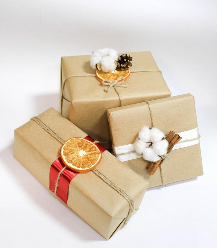 Как упаковать подарок в подарочную бумагу? [100+ идей] ❤ видео