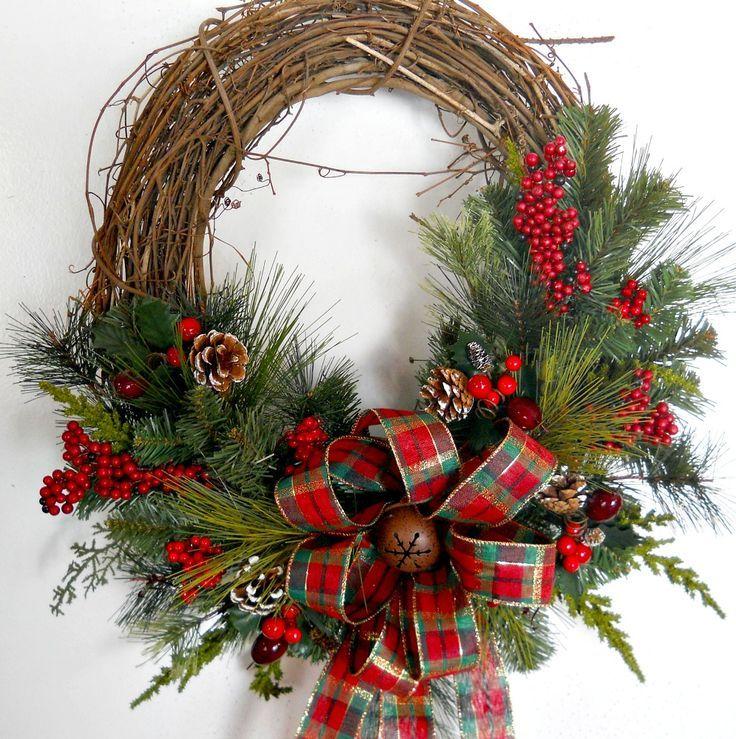 Новогодние украшения своими руками: 3 рождественских венка