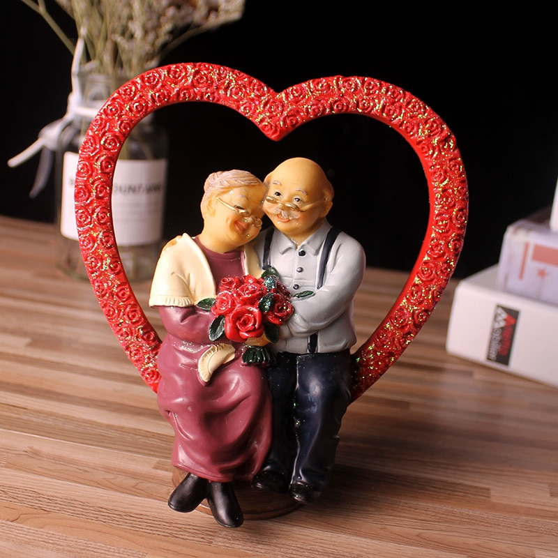 Что подарить на годовщину свадьбы родителям: список идей для подарка