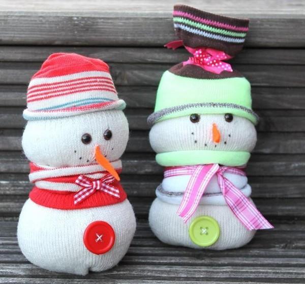 Снеговик своими руками на новый год — поделка в детский сад и школу из подручных материалов
