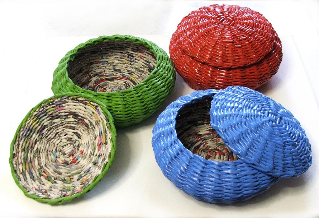 Плетение шкатулок и коробок из газетных трубочек: узоры, схемы, описание, мастер класс