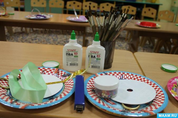 Декупаж для начинающих пошагово с фото: из салфеток на бутылке, коробке, тарелке, стуле, по дереву, из обоев, фотографии, яичной скорлупы. мастер классы