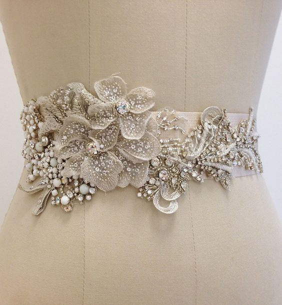 Построение выкройки и шитье широкого пояса для платьица