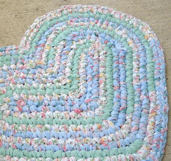 Подборка схем и описаний по вязанию спицами разных ковриков