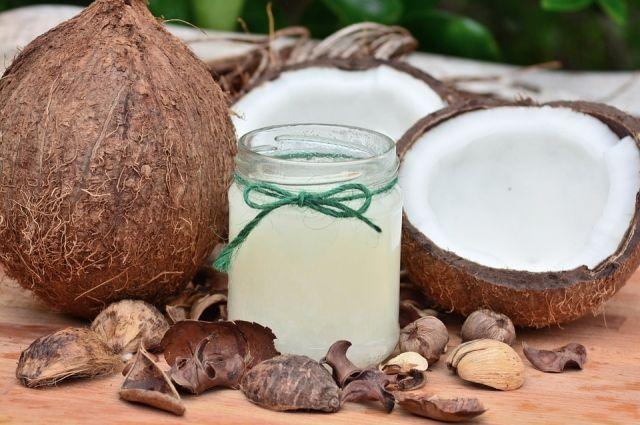 Кокосовое масло: польза и применение в еде и косметологии