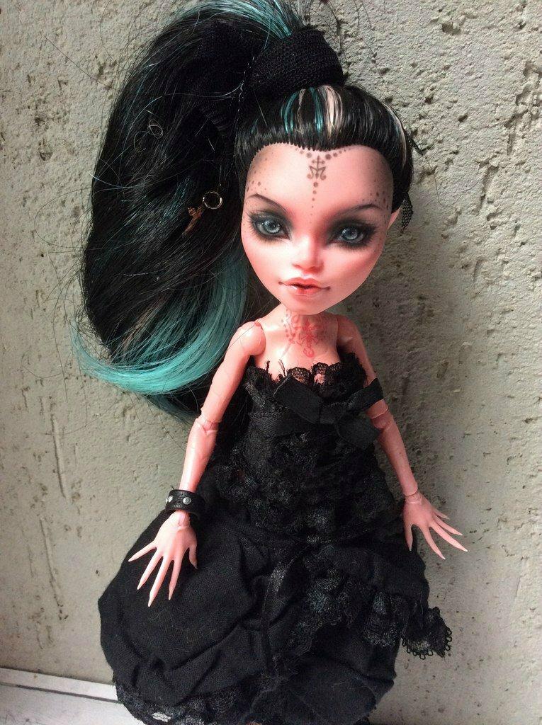 Демонесса ооак из старой куклы. мастер-класс по созданию ооака из куклы monster high — рисуем лицо делаем кукольную обувь