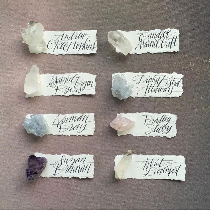 Рассадочные карточки-ракушки для морской свадьбы - the-wedding.ru