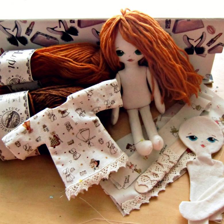 Как красиво и аккуратно сшить платье для куклы своими руками по выкройкам и пошаговым инструкциям?