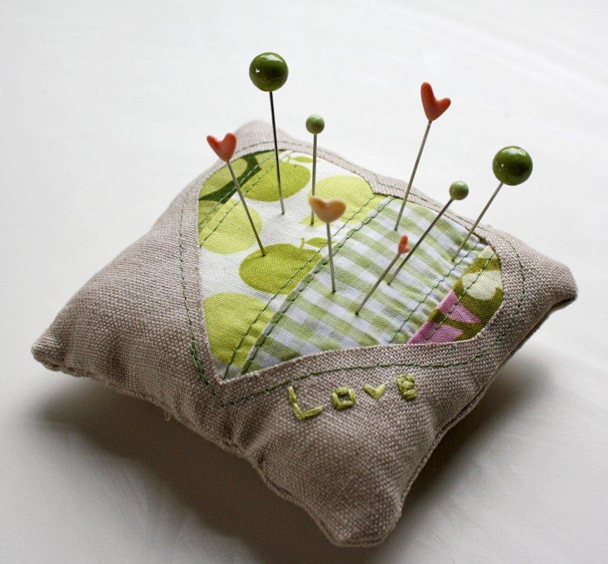 Подушка-улитка для булавок и иголок - своими руками