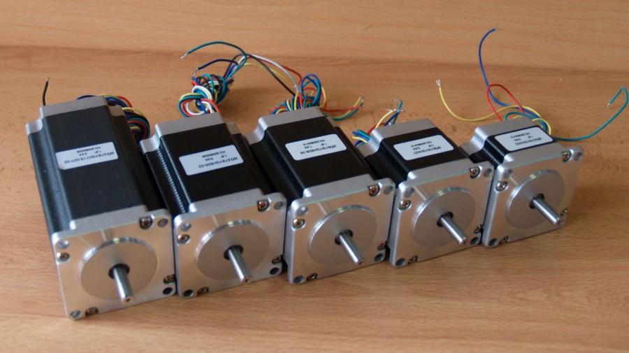 Как сделать двигатель из батарейки, медной проволоки и магнита