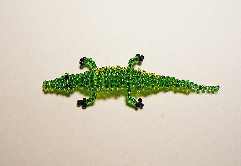 Крокодил из бисера: схема и видео прилагается