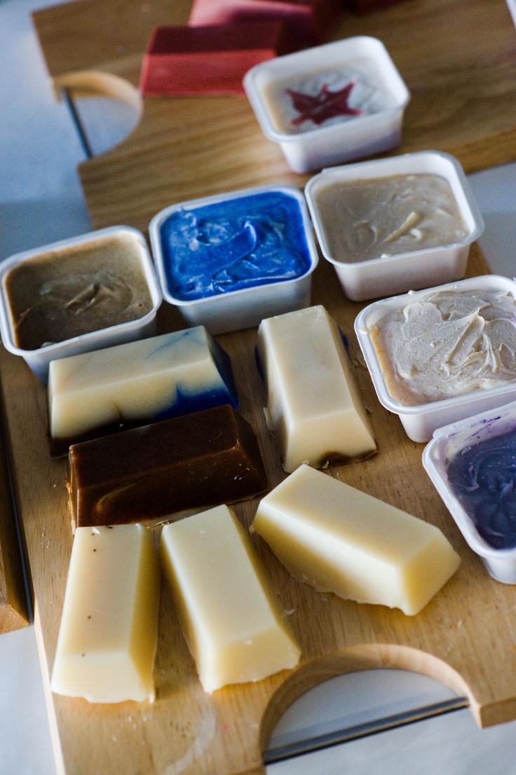 Мыловарение в домашних условиях для начинающих (48 фото): как сделать мыло своими руками пошагово? рецепты и мастер-классы, что нужно, чтобы варить мыло ручной работы