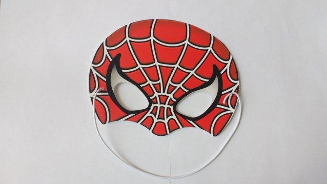 Поделка паук на паутине из природного материала