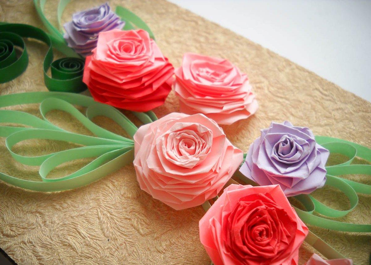 Розы из гофрированной бумаги: своими руками, с пошаговым фото