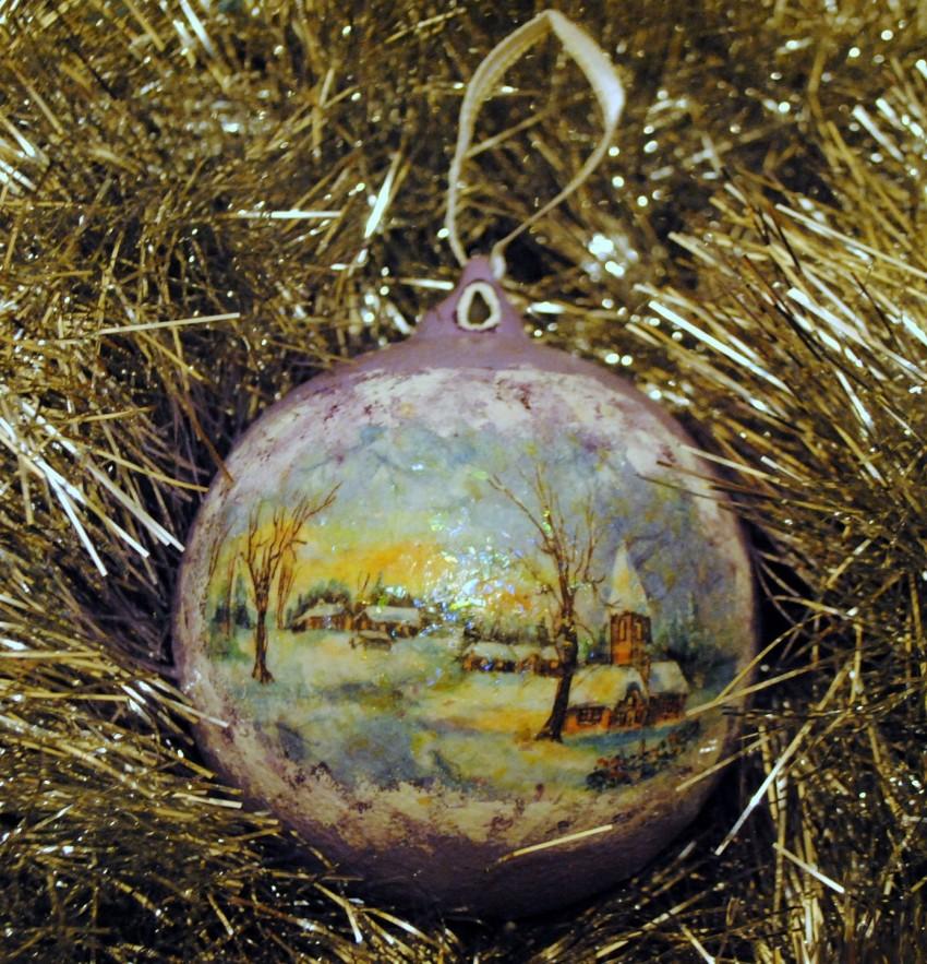 Декупаж новогодних украшений