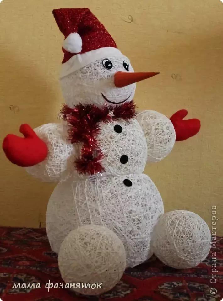 Снеговик из ниток и клея своими руками: идея для конкурса