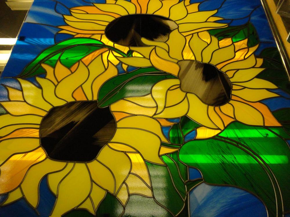 Витражи на стекле своими руками: изготовление рисунка из цветных стёкол, техники создания