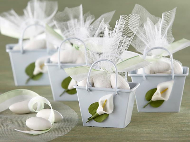 Бонбоньерки на свадьбу (38 фото): как сделать свадебную бонбоньерку своими руками по шаблону для гостей и что можно в них положить?