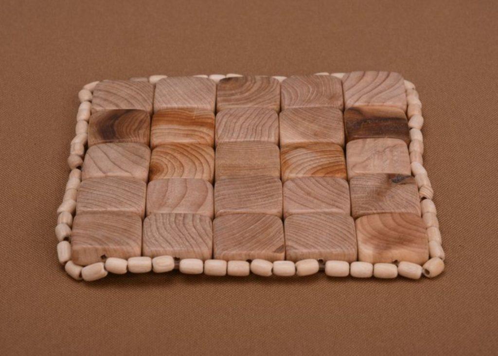 Подставки под горячее - каменная, деревянная, вязаная