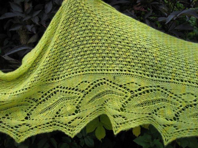 Ажурный шарф спицами. схемы и описание для начинающих. фото