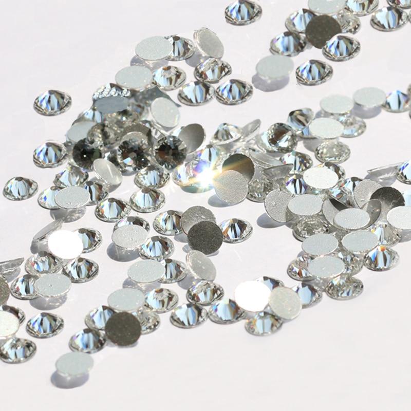 Клеи для стразов и технология применения — все нюансы для обычных и термоклеевых кристаллов