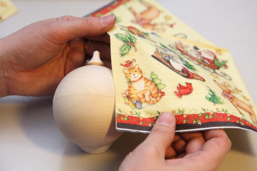 Новогодний декупаж: мастер класс по изготовлению эксклюзивных игрушек / mama66.ru