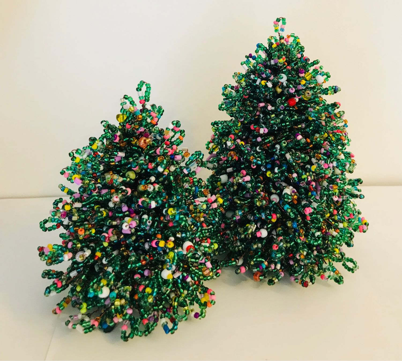 Пушистые новогодние елки из бисера. мастер-класс с пошаговыми фото