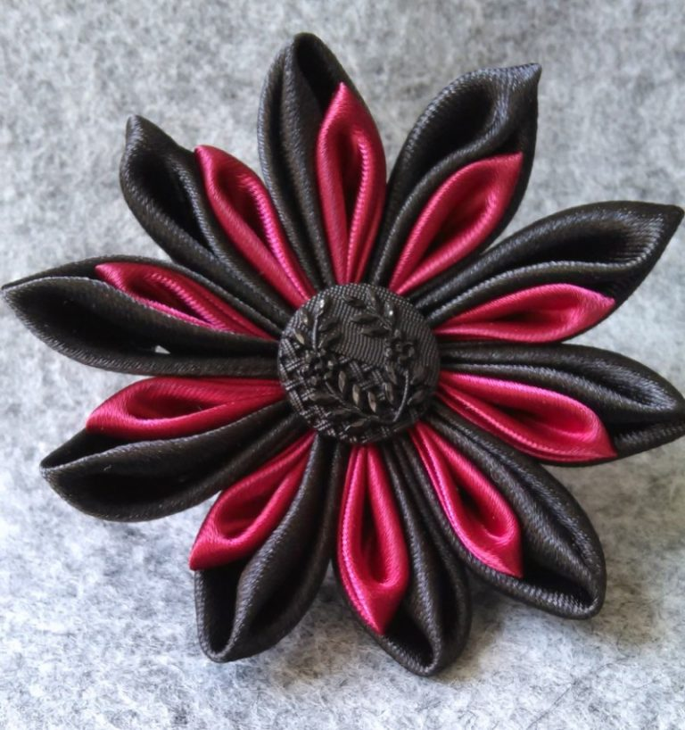 Броши в стиле канзаши: идеи для женщин, мастер-классы создания брошек из атласных лент своими руками на платье или галстук