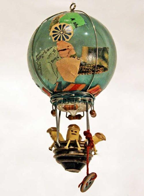 Игрушка ёлочная новый год декупаж воздушные шары на елочку из лампочек бумага краска сутаж тесьма шнур ткань