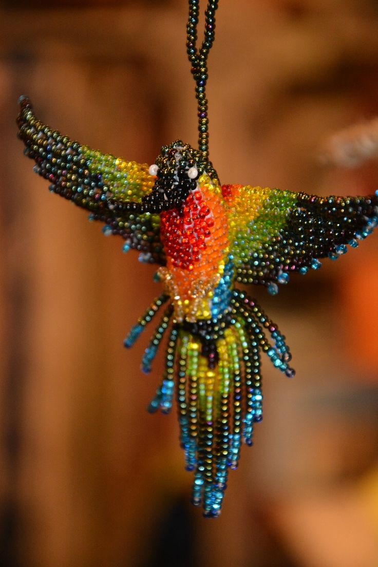 Простая схема плетения колибри из бисера