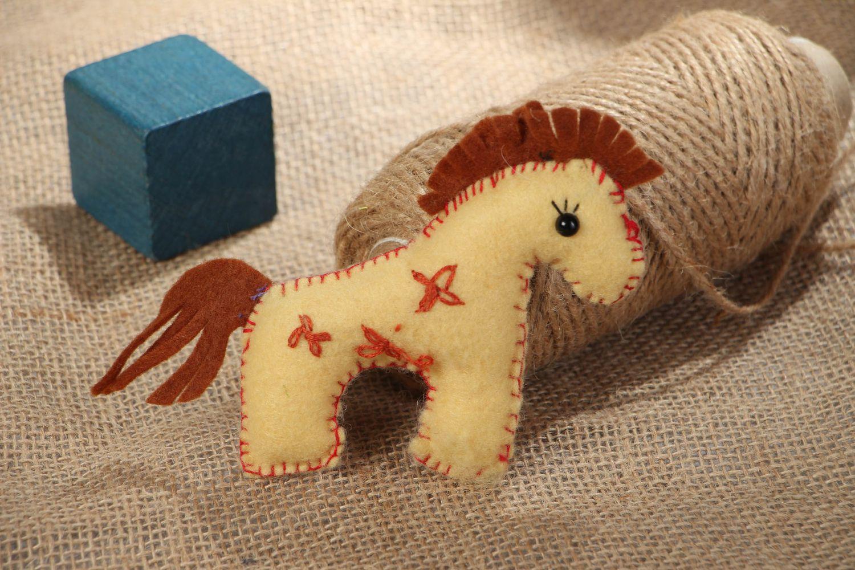 Лошадка своими руками. как сшить лошадку из фетра и ткани