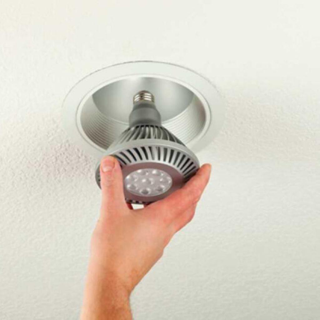Почему перегорает лампа накаливания: 8 частых причин