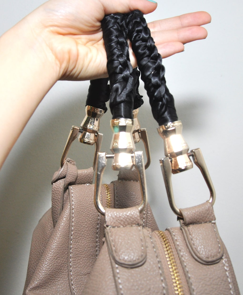 Ремонт ручек на сумке - ателье мобильный портной спб ️