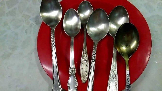 Как очистить мельхиоровую посуду в домашних условиях?