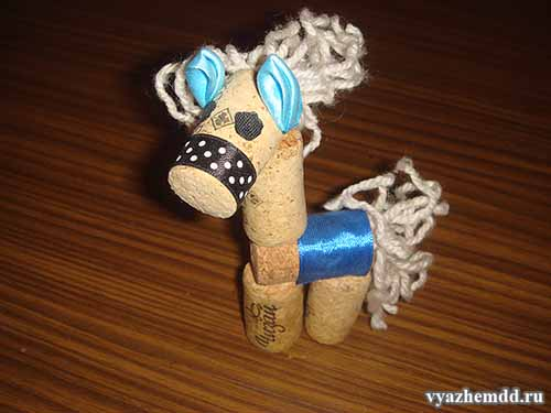 Лошадка из винных пробок в моем исполнении