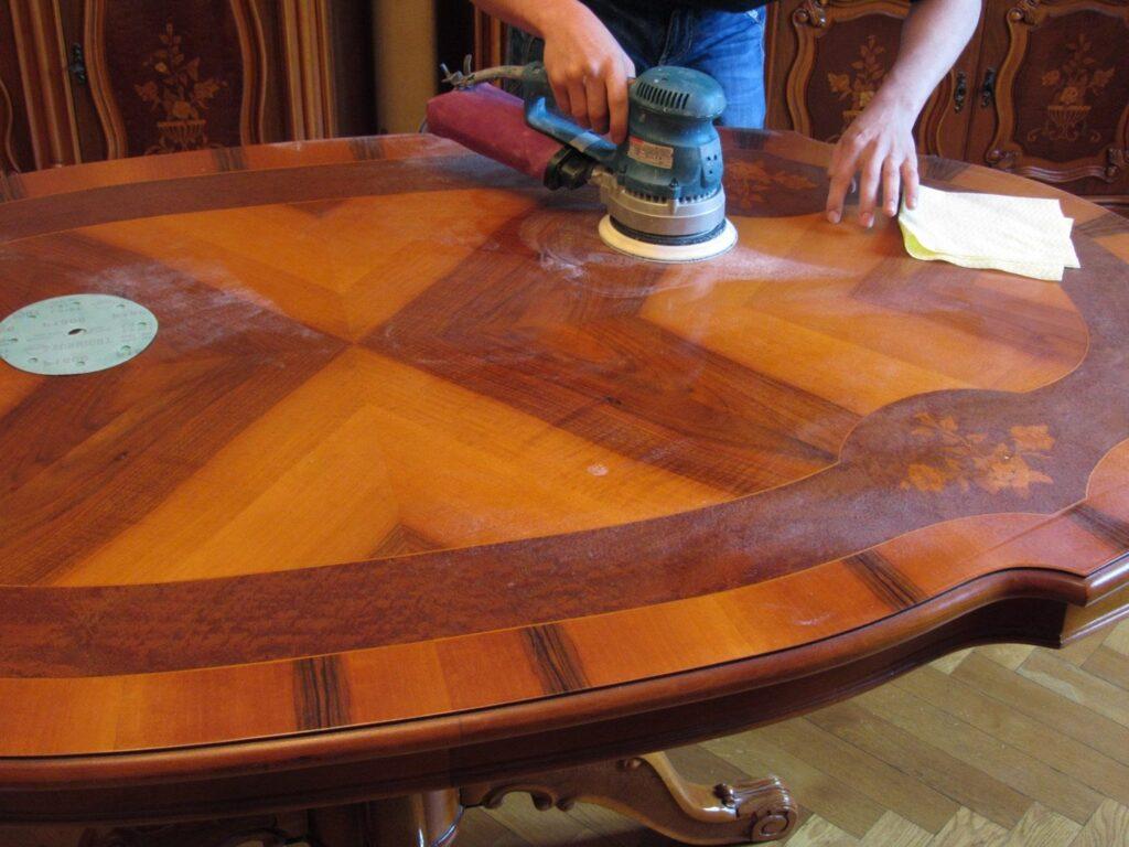 Как отреставрировать ваш старый стол в домашних условиях своими руками