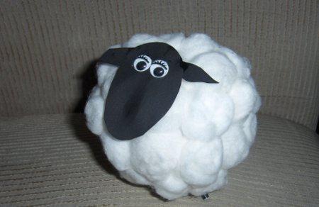 Овечка из ткани. мастер-класс с фото. новогодняя овечка. нетрадиционное рисование в технике набрызг. ёлочные игрушки из опилок своими руками. мастер-к