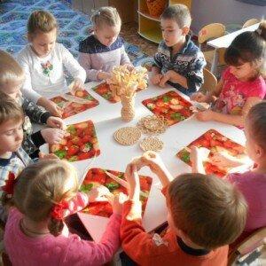 Поделки из макарон своими руками для детей: самовар, домик и аппликации
