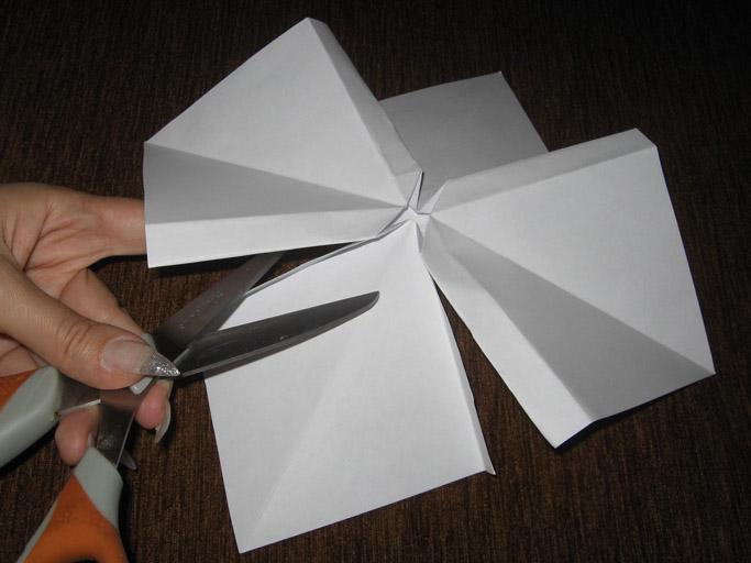 Объемный бантик из бумаги