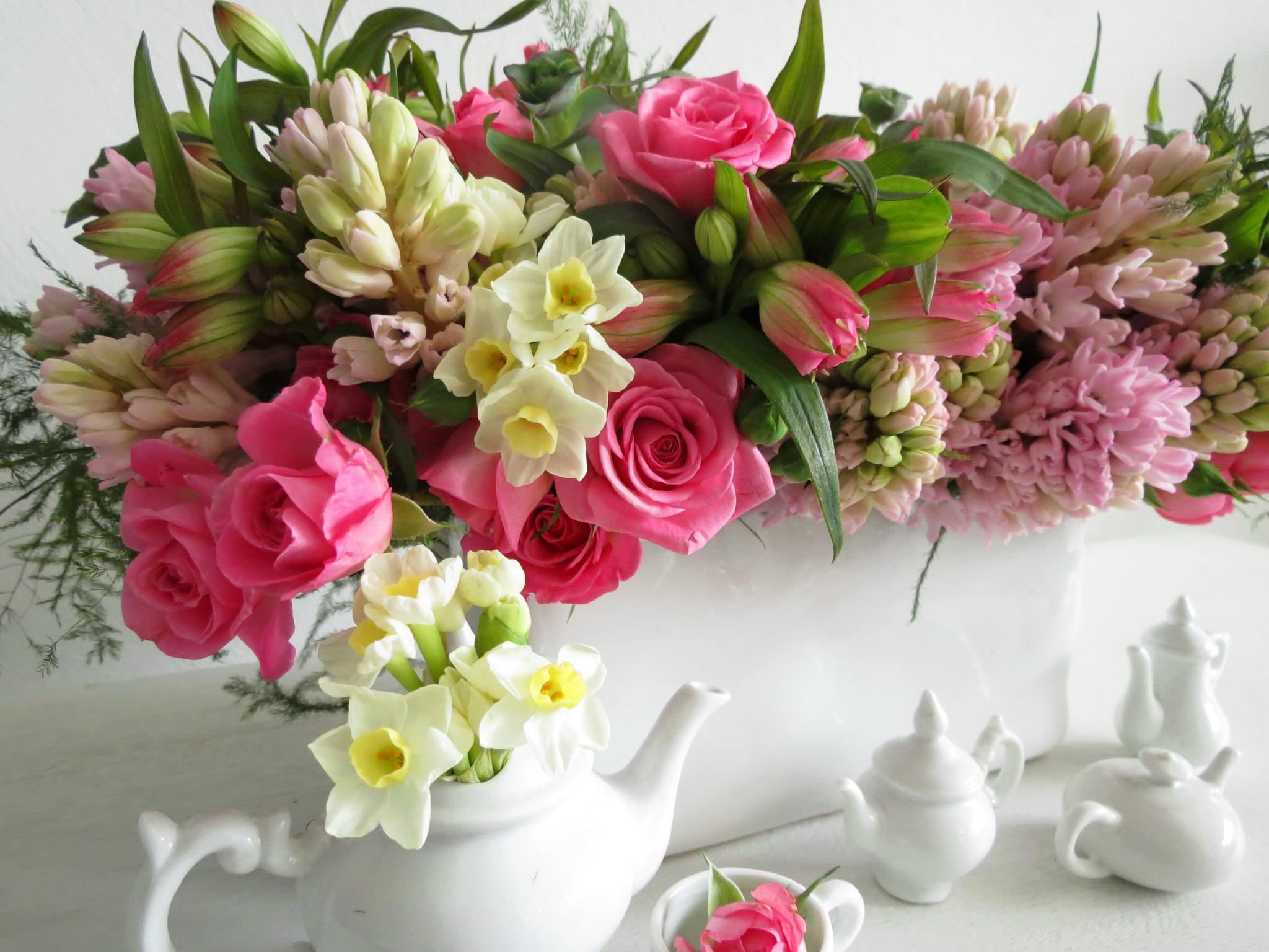 Поздравительные открытки с цветами - красивые букеты в доме солнца