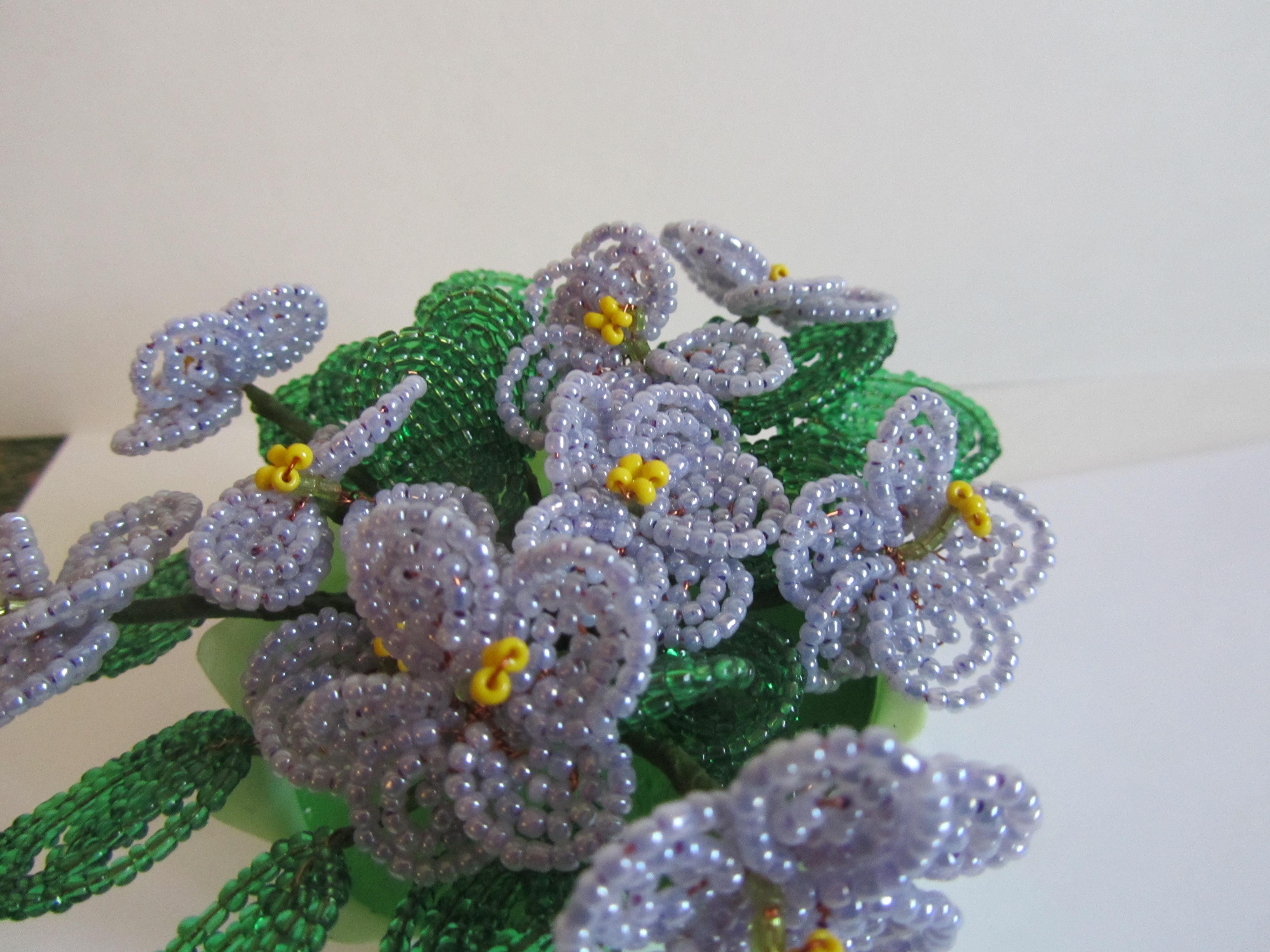 Фиалки из бисера: махровые цветы в пошаговом мастер-классе