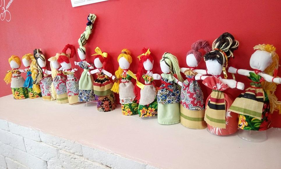 Куклы из подручных материалов своими руками, пошагово с фото