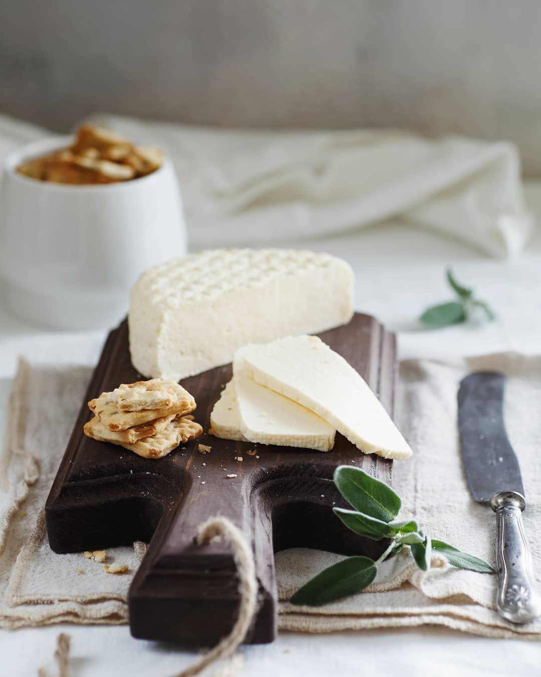 Твердый сыр, брынза или рикотта: 8 простых рецептов приготовления популярных сыров в домашних условиях