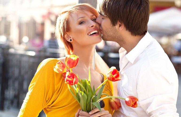 Как креативно поздравить женщин с 8 марта незабываемо в добрый весенний праздник